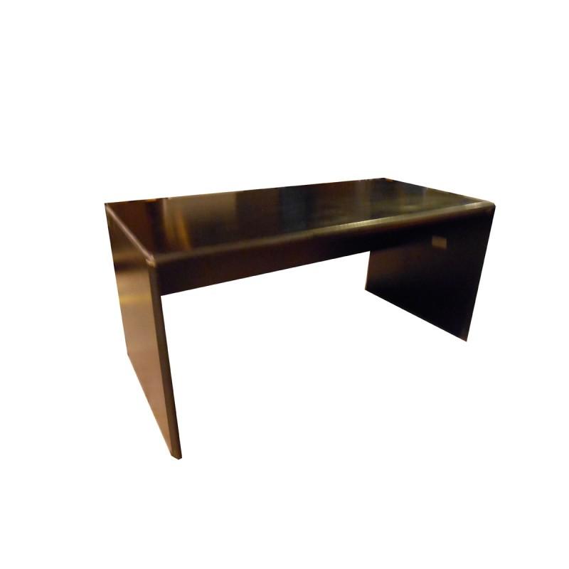 Mesa operativa/oficina con pata panel y faldón  negro